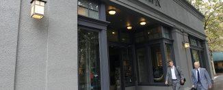 restoration hardware storefront