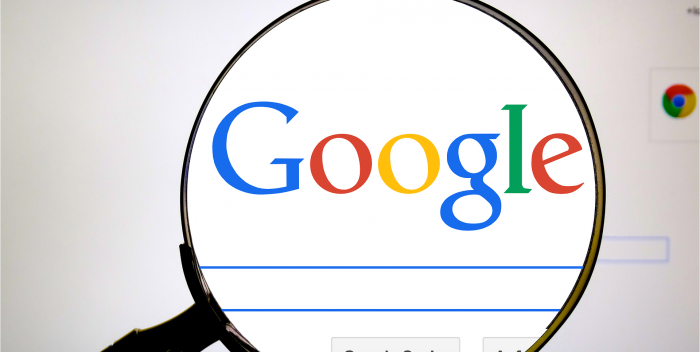 german language google search screen with magnifying glass